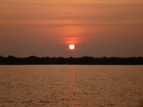 Managed to catch a beautiful sunset over the Siem Reap River on our way back