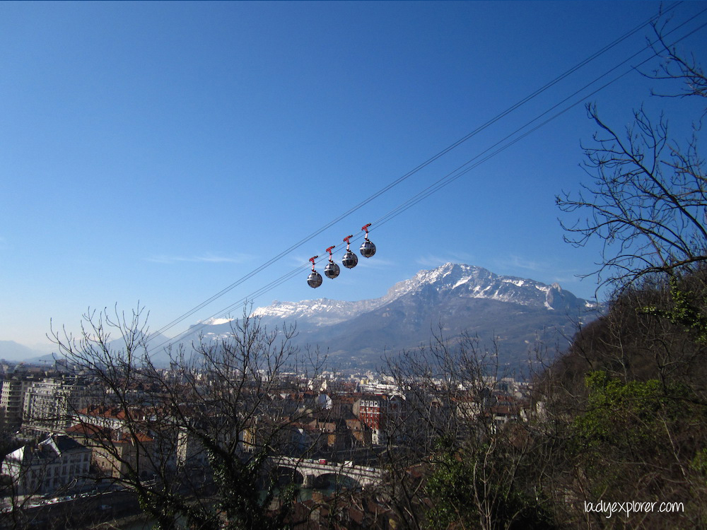 The cable car costs € 5.50 one way