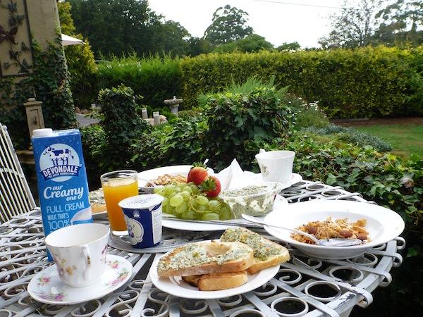 gracehill-garden-breakfast