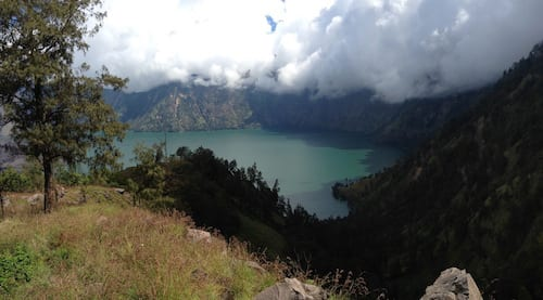 rinjani-blue-lake