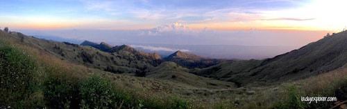 rinjani-rolling-hills
