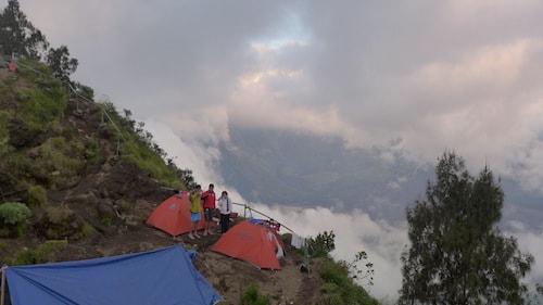 rinjani-senaru-crater-rim-camp