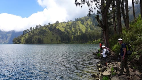 rinjani-trekking-lake
