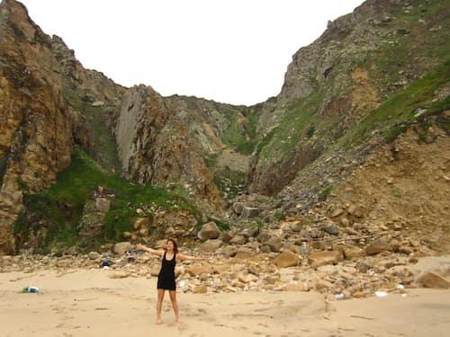 Bears-beach-bottom-of-cliff