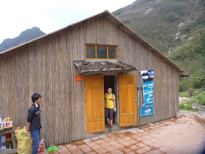 Fansipan-base-camp-hut